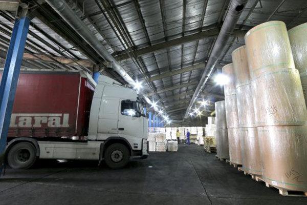 ترخیص بیش از ۳۰ هزار تن انواع کاغذ از گمرک شهید رجایی بندرعباس