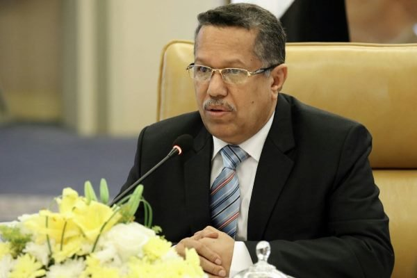 رییس جمهور فراری یمن نخست وزیرش را برکنار کرد