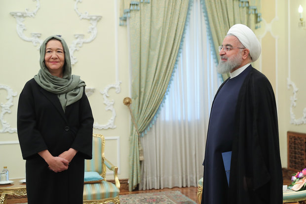 روحاني يتسلم أوراق اعتماد سبعة سفراء جدد في طهران