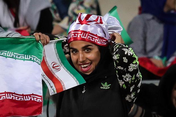 مباراة المنتخبين الايراني والبوليفي لكرة القدم