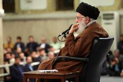 استقبال قائد الثورة الاسلامية مجموعة من النخب العلمية / صور