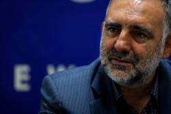 امیدوارم بار دیگر نام ایران را با کتاب زنده کنیم