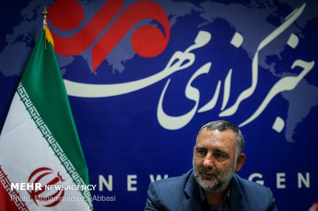 جهان اسلام اولویت حضور بینالمللی نشر ایران/بودجه روی کاغذ کم نشد