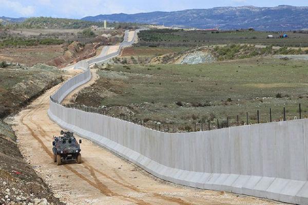 Türkiye'den İran-Suriye sınırında güvenlik duvarı inşaatı