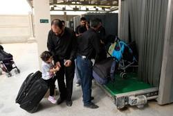 خروج ۴۰ هزار زائر از مرز مهران طی امروز/ اسکان ۲۵ هزار نفر در مرز