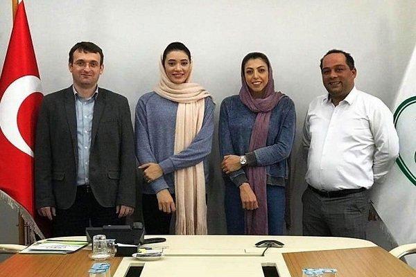 İki İranlı kadın voleybolcu Türkiye'ye transfer oldu