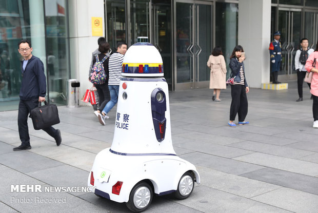 ربات ها در کار و تفریح
