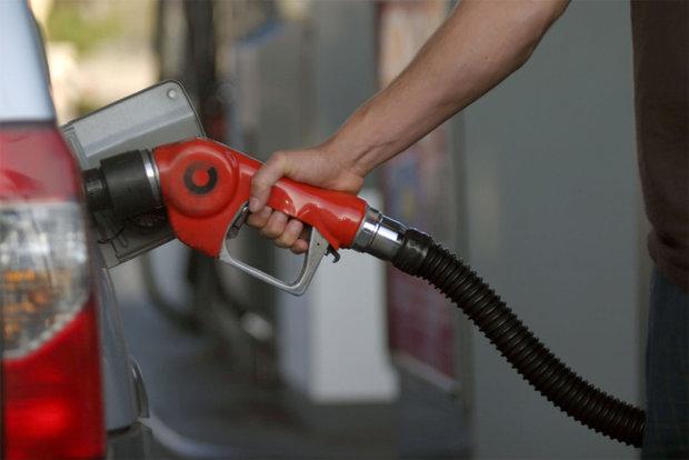 پاکستان میں پیٹرول کی قیمت میں 12 روپے اضافے کرنے کا امکان