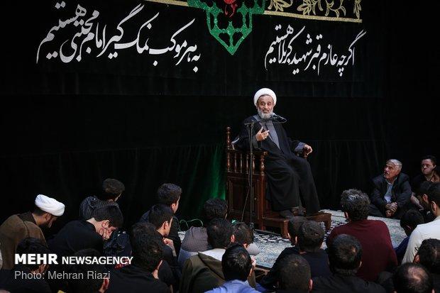 ایران بھر میں آج پیغمبر اکرم (ص) اور حضرت امام حسن (ع) کی شہادت کی مناسبت سے عزاداری کا سلسلہ جاری