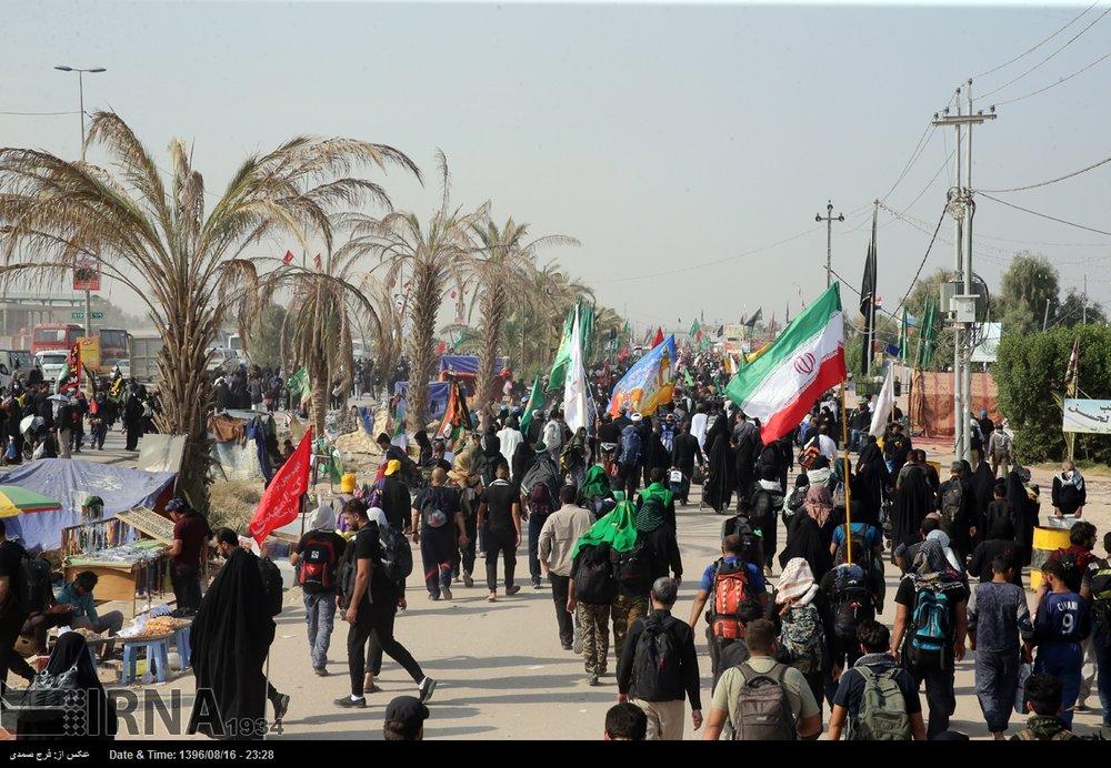 Pilgrims on the way to Karbala