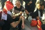 خدمات امدادی به ۱۶هزار زائر اربعین/تست فشارخون زائران