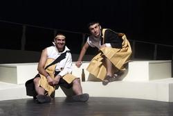 «خدایگان» به اجرای خود ادامه میدهد/ تمایل به حضور در تئاتر فجر