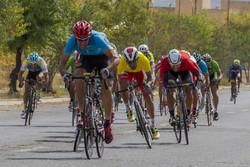"""بطولة الدراجات الهوائية في محافظة """"مركزي"""" الايرانية / صور"""