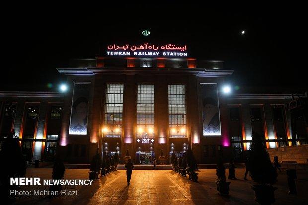 انطلاق أول قافلة زوار عبر القطار من طهران للمشاركة بالأربعين الحسيني
