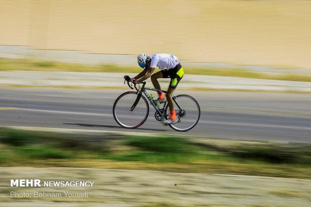 """بطولة الدراجات الهوائية في محافظة """"مركزي"""" الايرانية"""