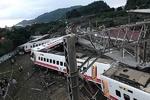 خروج قطار از ریل در تایوان/ ۲۲ کشته و ۱۷۱ زخمی