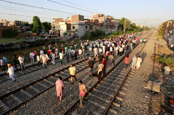Death toll in India train tragedy reaches 60