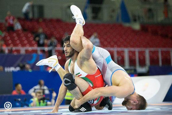İranlı güreşçilerden bronz madalya
