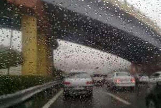 هوای قم در روزهای پنجشنبه و جمعه بارانی میشود