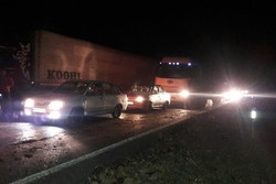 واژگونی کامیون کمپرسی جاده پلدختر- کرمانشاه را مسدود کرد