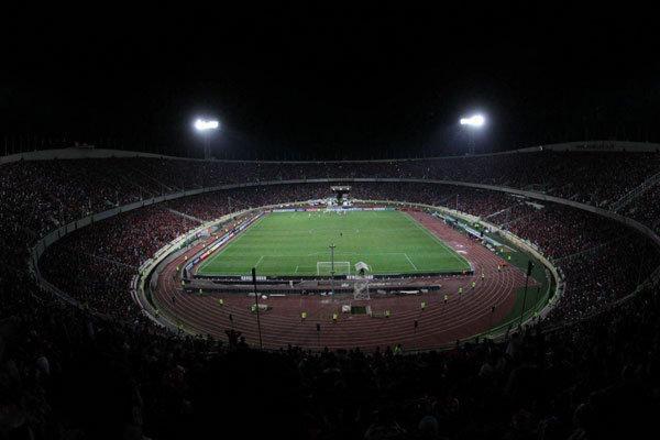قطع برق ورزشگاه آزادی در آستانه شروع بازی استقلال و سپاهان