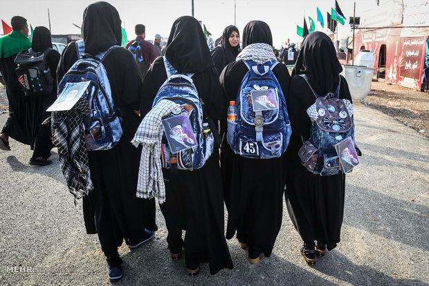 عبور۷۰۰۰۰زائر از مرز چذابه/فعالیت۳۰۰ موکب در خوزستان