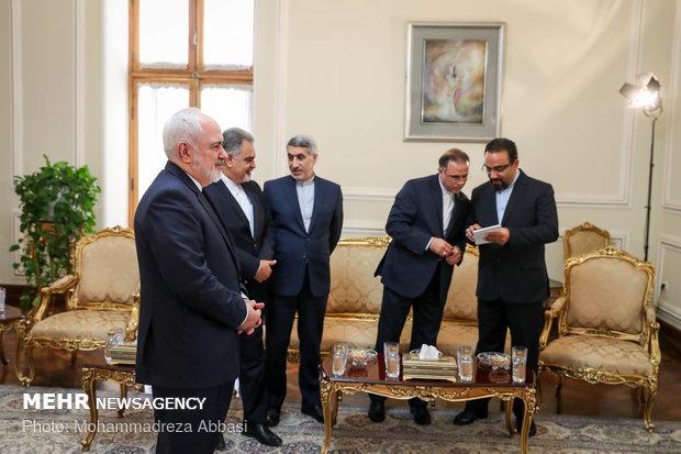 لقاء ظريف مع نائب وزير الخارجية العُماني