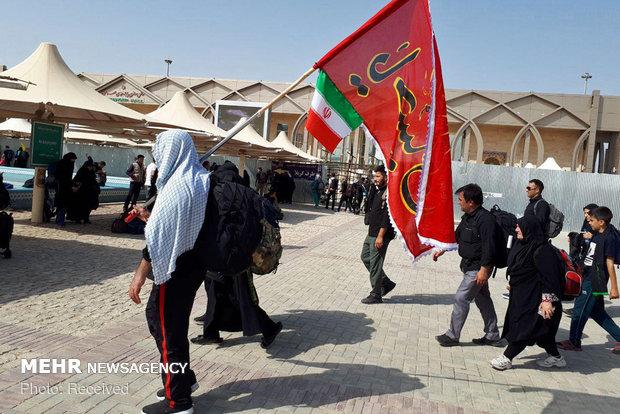 حال و هوای زائران اربعین حسینی در مرز مهران