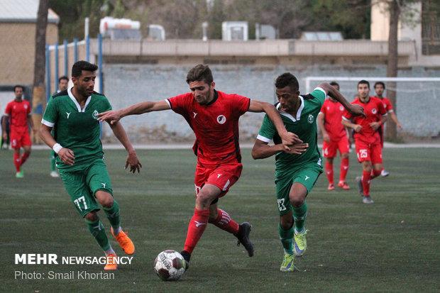 دیدار تیم های فوتبال آرمان گهر سیرجان و پاس همدان