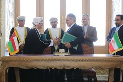 Iran, Oman discuss mutual coop. in Tehran