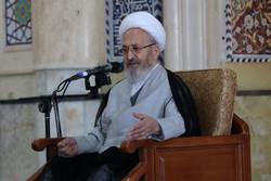 مغناطیس معنوی منتظران را به مسجد جمکران میکشاند