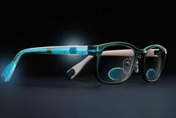 عینک الکترونیکی که به عینک مطالعه تبدیل می شود