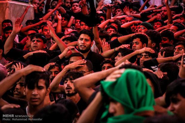 Pakistanlı zairlerden İmam Hüseyin (a.s) için matem töreni