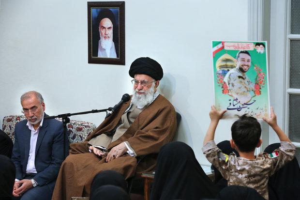 قائد الثورة الاسلامية: لولا مدافعو الحرم لما كان هناك مسيرة أربعينية