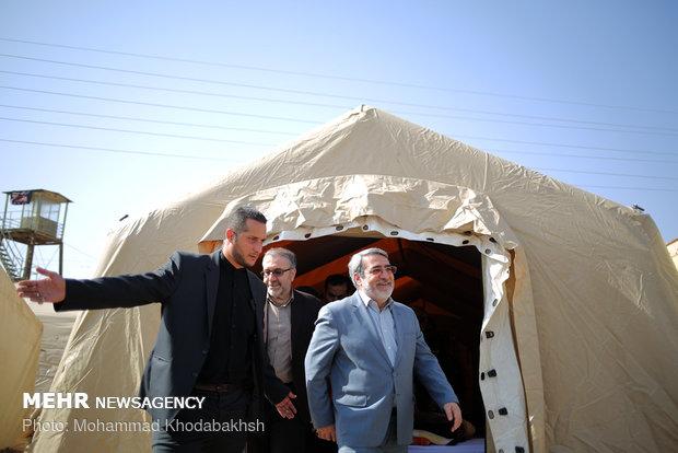 بازدید وزیر کشور و  رئیس جمعیت هلال احمر از پایانه های مرزی مهران و چزابه