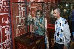 Bakü'de Şirvanşahlar devletine ait tarihi eserlerin sergisi açıldı