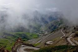 ترافیک نیمه سنگین در جاده چالوس/کاهش دید در ارتفاعات البرز