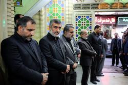 مراسم هفتمین روز درگذشت پدر سردار حاجیزاده برگزار شد/ حضور سردار سلیمانی
