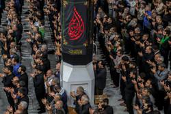 اقامه نماز مغرب در حرم امیر المومنین (ع)