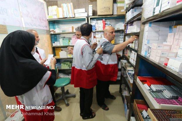 خدمات رسانی به زائران اربعین در مراکز درمانی هلال احمر در شهر کربلا