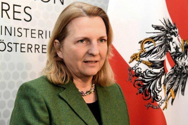 وزیر خارجه اتریش در کابینه میماند