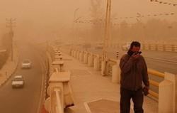 تداوم غبارآلودگی هوا تا اواخر امروز /دید افقی در قصرشیرین به ۲۰۰ متر رسید