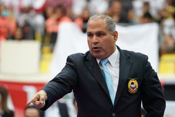جواد سلیمی در رقابتهای کاراته المپیک قضاوت می کند