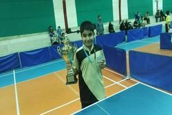 تنیس باز نوجوان کردستانی نشان برنز رقابتهای کشوری رابه گردن آویخت