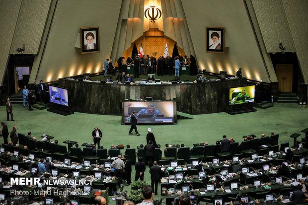 وزير النفط يجيب على أسئلة نواب مجلس الشورى الاسلامي هذا الأسبوع