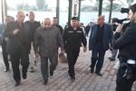 رئيس وزراء العراق يشارك الزائرين سيراً على الأقدام في محور بابل