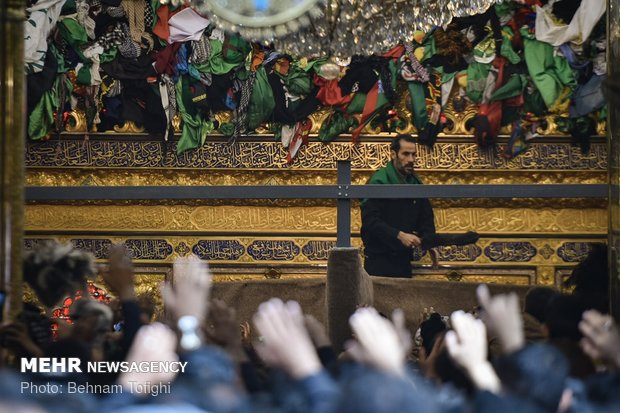 Arbaeen mourners in holy shrine of Hazrat Abbas (AS)