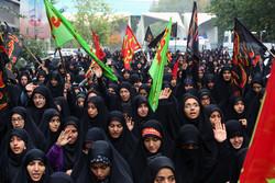 جمع عظیم زائران اربعین و جاماندگان نشانه ارادت به سیدالشهدا است