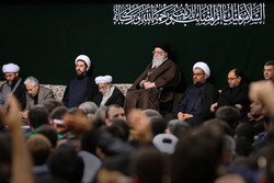 مراسم العزاء الحسيني بحضور قائد الثورة الاسلامية /صور
