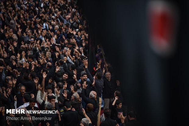 مراسم عزاء أربعين الحسين في مدينة شيراز